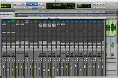 オリジナル楽曲の提供または自分で作詞作曲が出来る様になる。