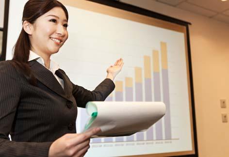 面接や会議、プレゼンテーションなどの発表の場で、説得力があり信頼感を与える声が出せるようになった